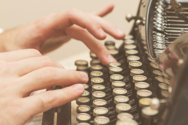 Medium完成5700万融资,除了干净纯粹的写作还会有什么?